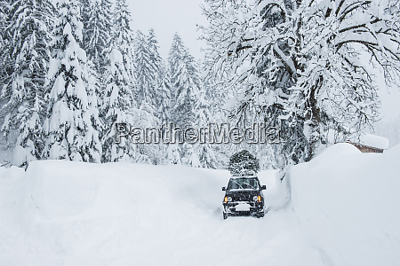 austria salzburger land lammertal car with