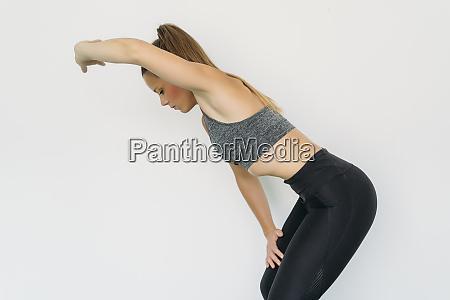 woman doing hypopressive exercise