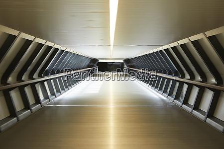 uk england london empty tunnel inlondon