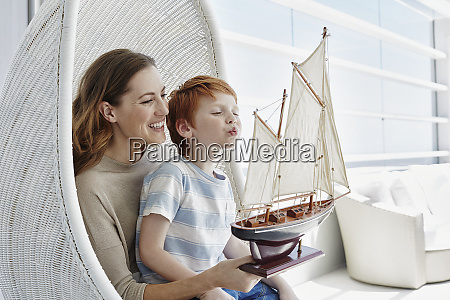 happy, mother, and, son, with, model - 28759997