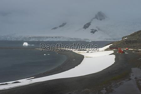 coastline ofhalf moon island