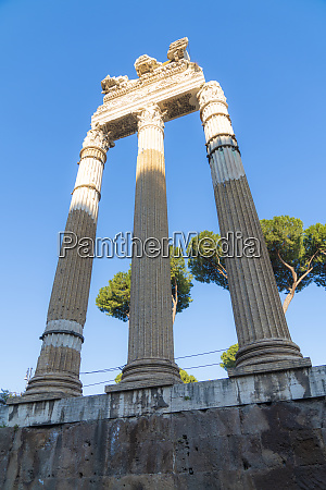 ruins and columns imperial forum fori