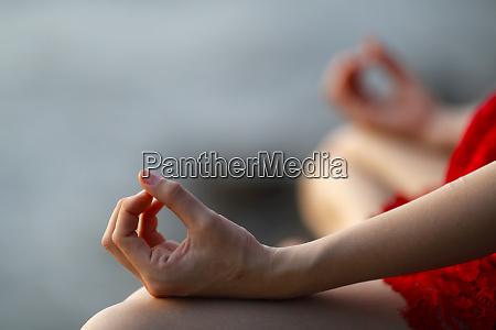 woman in meditation jnana mudra kep