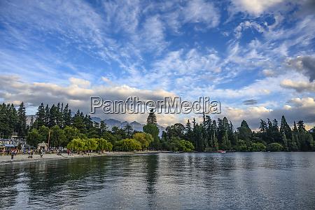 lake wakatipu and queenstown bay beach