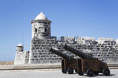 cannon castillo de san salvador de