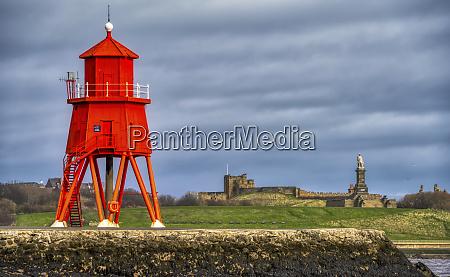 herd groyne lighthouse south shields tyne