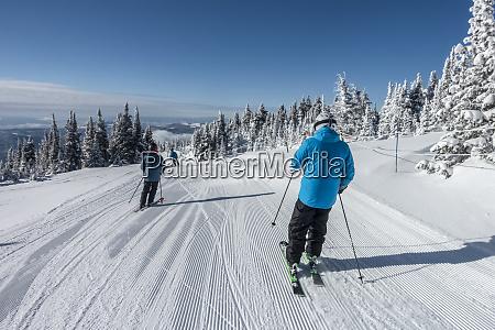 downhill skiing sun peaks resort sun