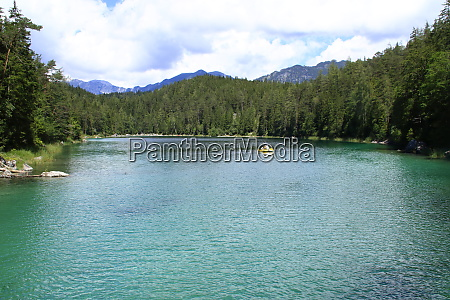 view over the eibsee below the