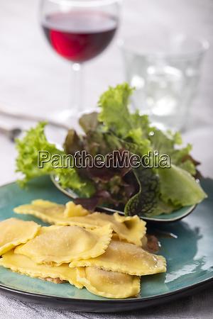ravioli with cream sauce