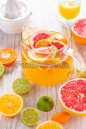freshly prepared ice tea or lemonade
