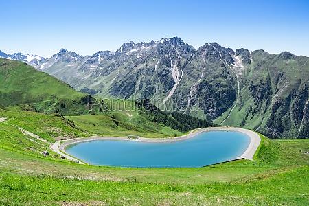 lake in mountains