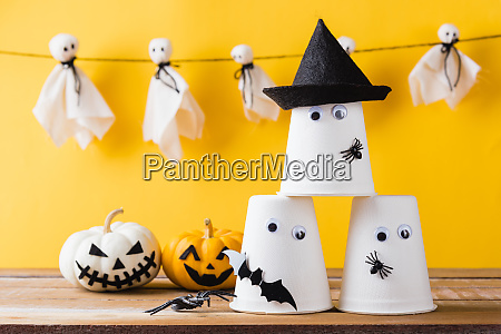 halloween crafts paper cup ghost on