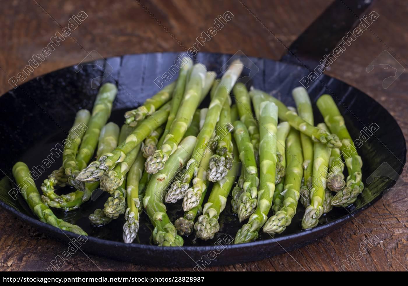 fresh, green, asparagus - 28828987