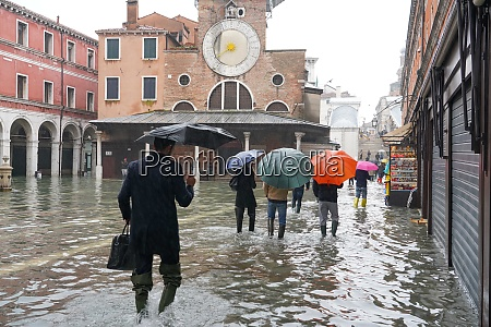 campo san giacomo rialto during the