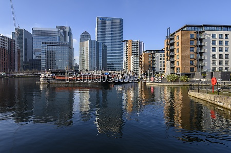 reflections of canary wharf and docklands