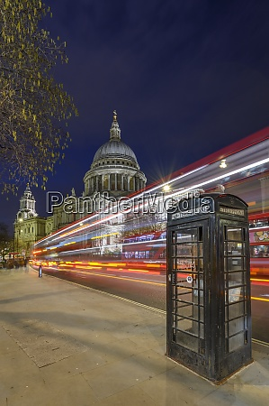 st pauls cathedral at dusk with