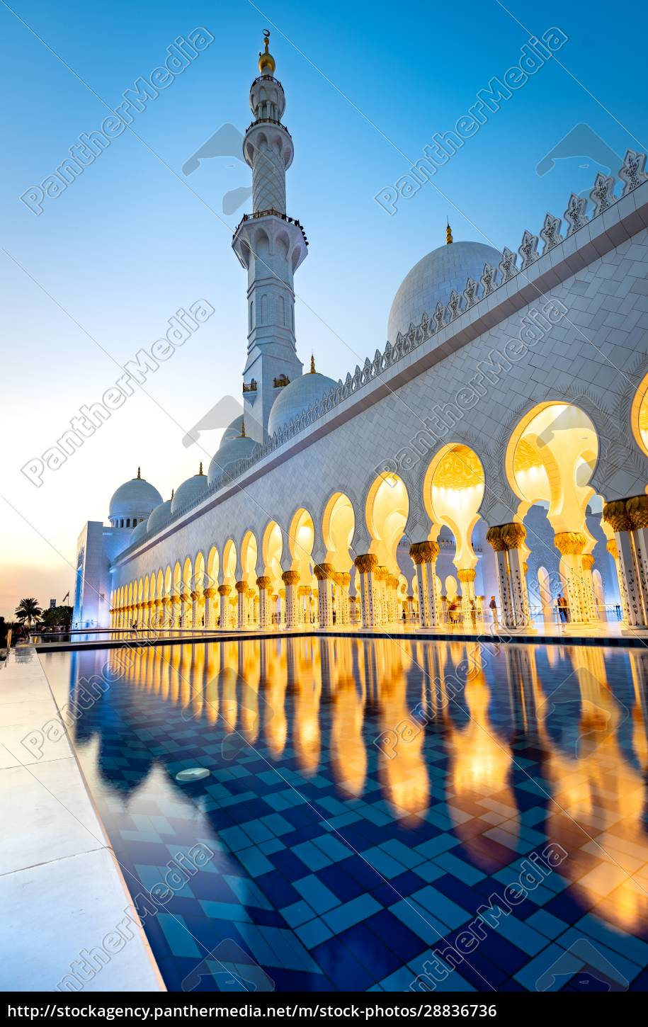 abu, dhabi's, magnificent, grand, mosque, lit - 28836736