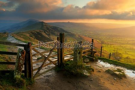 the great ridge at sunrise mam