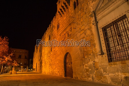 avila at night spain