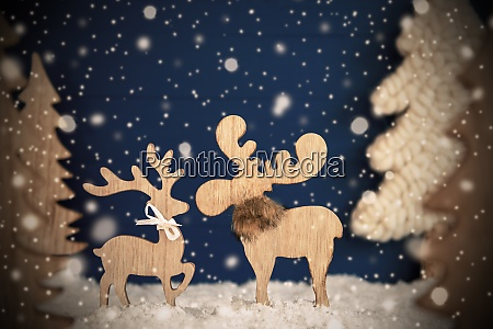 moose couple in love christmas tree