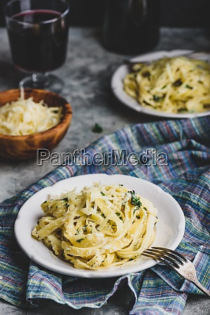 portions of pasta alfredo