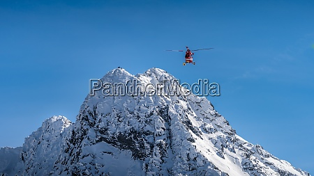 rescue, helicopter, saved, mountain, climbers, in - 28861900