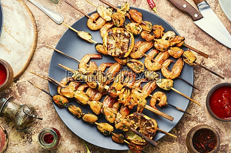 grilled shrimps and mussels