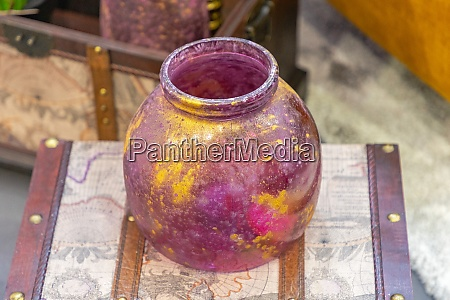 purle gold jar