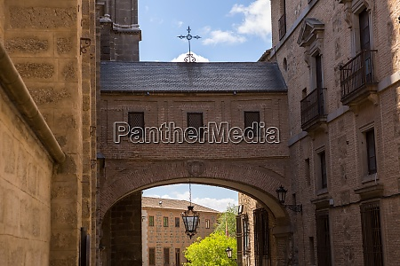 toledo cathedral arch