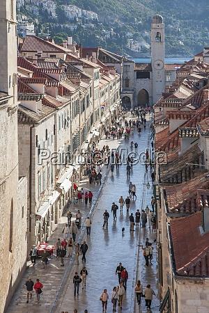 croatia dubrovnik tourists in old town