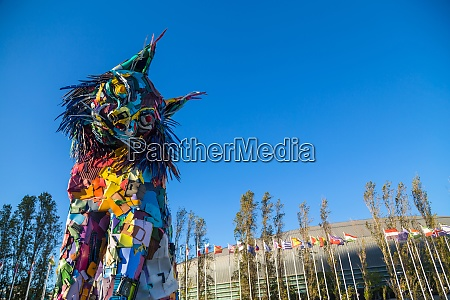 iberian lynx statue in lisbon