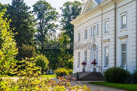 uzutrakis manor colonnaded mansion set in