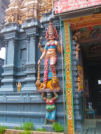 hindu temple tower in colombo sri