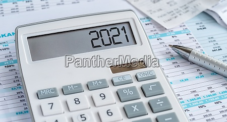 a calculator with the 2021 on