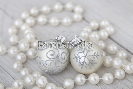 elegant christmas decoration with pearls