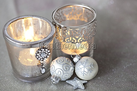 elegant christmas decoration in white and