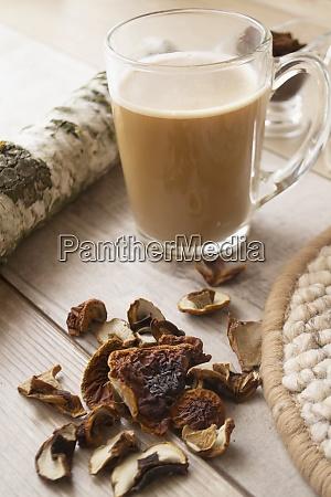 mushroom coffee superfood trend caffeine latte
