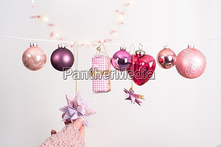 christmas picture with different balls in
