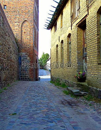 alley along the historic city wall