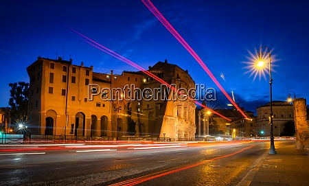 colosseum twilight rome