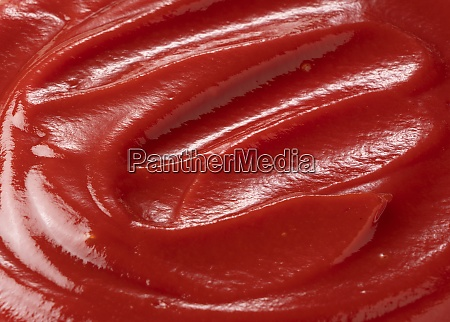 wave of ketchup on the entire