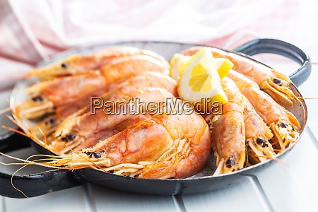boiled tiger prawns on pan tasty