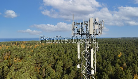 telecommunication tower with antennas for 5g