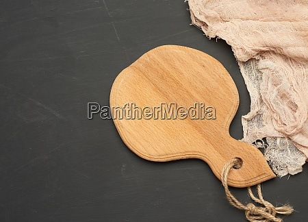round small cutting board lie on