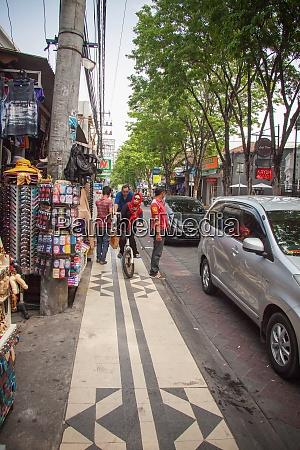 noisy streets of kuta