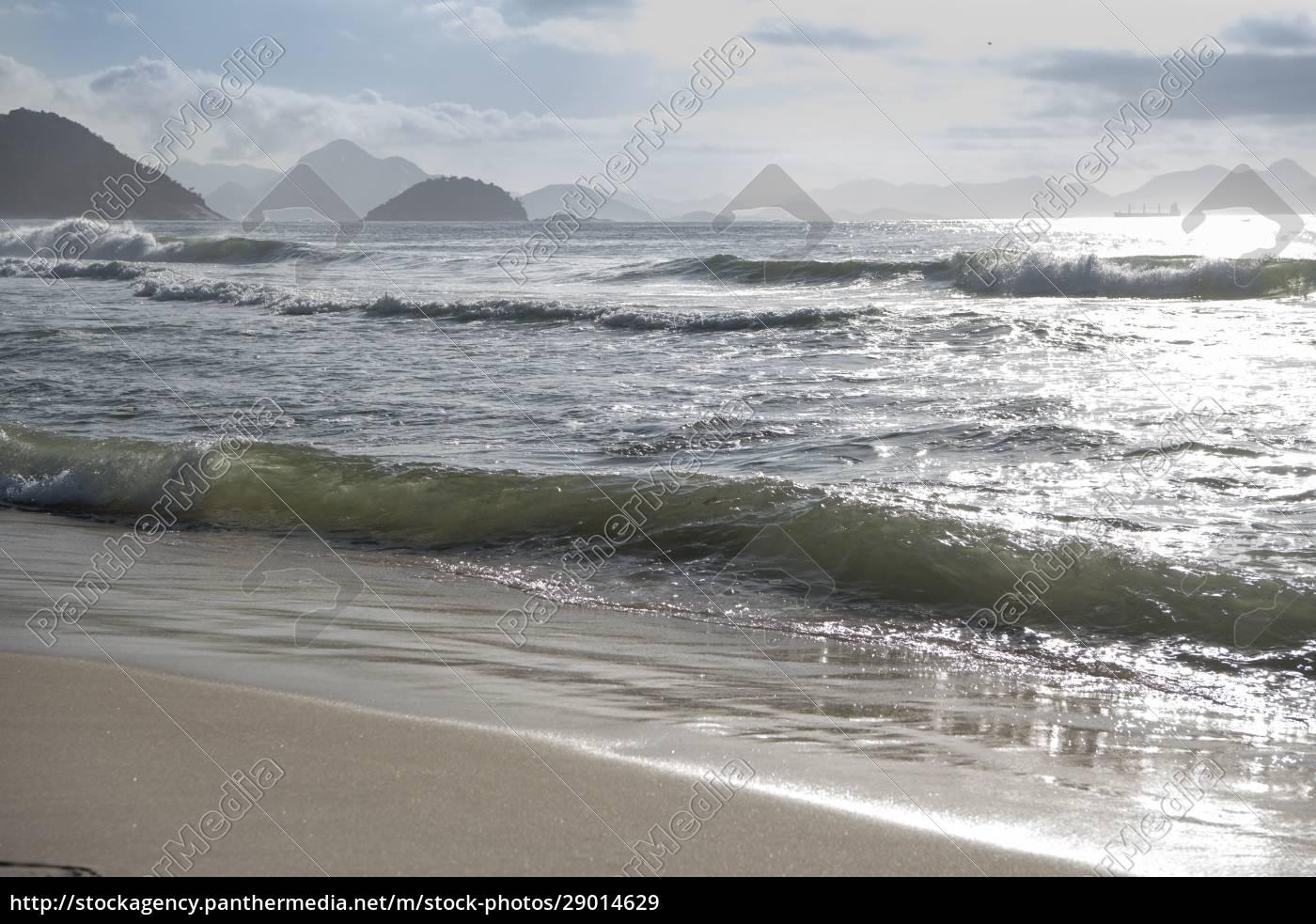 ocean, surf, on, the, beach, of - 29014629