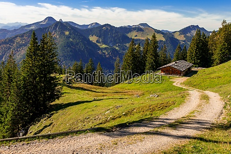 autumn hike in the mangfallgebirge