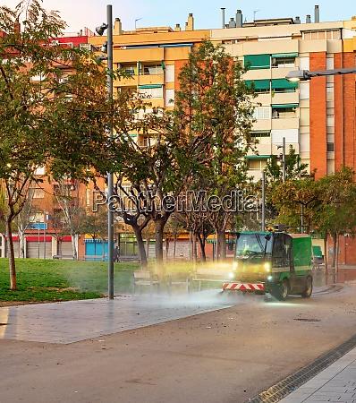 watering machine park apartments barcelona