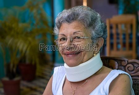 homemade cervical collar