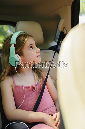 girl 6 7 listening to music
